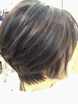 美容室 コーラルの写真/美容師歴10年以上の実力派スタイリスト在籍☆髪質・毛量に合わせた再現自在な『ワンカットスリースタイル』
