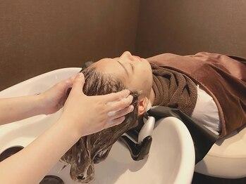セレンディピティ(SERENDIPITY)の写真/くつろげる完全個室空間で本格的なヘッドスパがSERENDIPITYなら体験できる☆癒しの空間で髪も心も綺麗に*