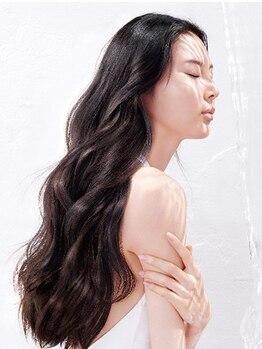プリモ リコ(Primo.rico)の写真/選べる2種類のTR☆話題沸騰中のサブリミックTR/浸透力がUPする今注目のミネラル水で、みずみずしい美髪へ