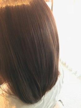 リラ(LYRA)の写真/【Total Beauty Salon】SNSでも話題のTrを多数取扱い♪毛先まで潤い、思わず触れたくなる手触りへ―…*