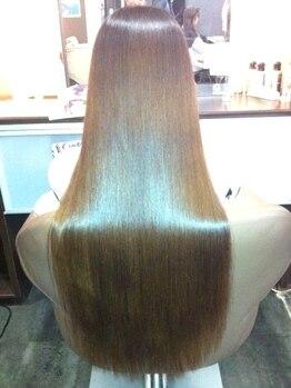 グロースの森(Growthの森)の写真/【魔法の縮毛矯正】人気の秘密は…?(1)施術した当日にシャンプーできて、髪も結べる(2)CMのような艶髪☆