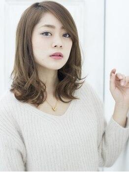 ステラ 三田フラワータウン店(STELLA)の写真/グレイカラーもオシャレな時代へ!しっかり染まるのに暗くならない♪大人世代の絶品colorで素敵な女性に☆