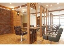 アグ ヘアー ラックス 新百合ヶ丘2号店(Agu hair lux by alice)の雰囲気(ゆったり寛げる空間。家にいるようにRelaxできます。)