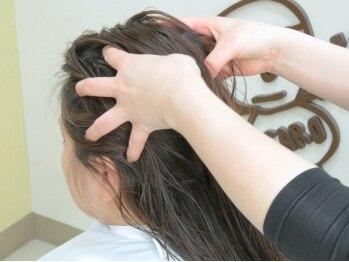 ヘア カーロ(HAIR CARO)の写真/[新規◆ヘッドスパ+カット¥4320]毛穴の詰まりを解消し、気になるにおいもスッキリ!美しい素髪は地肌から♪