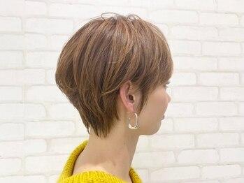 ビス ヘア アンド ビューティー 西新井店(Vis Hair&Beauty)の写真/理想の色、質感でオシャレな白髪染めに!透明感×艶を実現できるワンランク上のカラーに♪*[西新井]