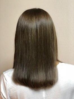 フリーダム(Freedom)の写真/【上級ストレート】サラリとまとまる艶髪&自然な仕上がりにリピーター多数。長年のお悩みとサヨナラ!