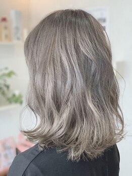 ゴット(Gotto)の写真/ダメージを最小限に抑えたカラー剤を使用。色持ちも良く、キレイな髪をキープ!思う存分お洒落を楽しんで♪