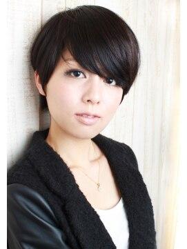 ソレア(solea) オシャレ度高めの黒髪ニュアンスストレート クールショート♪