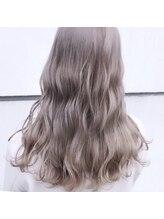 クオラバイガネイシャ(Cuora by ganesha)透明感×ミルクチョコレートベージュ×シークレットハイライト