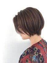 ダミア(DAMIA)小顔になれるショートヘア