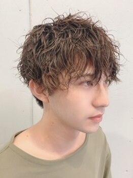 ヴァイナルズミックスプラス(Vinyl's mix+)の写真/【ON/OFFどちらもキマる】カット¥3850☆デザイン性の高さでオンもオフも楽しめる無造作なヘアスタイルに!
