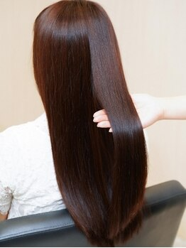 アトリエマサコ ホテル横浜キャメロットジャパン店(Atelier MASAKO)の写真/一人一人の癖毛を見極め、あなたに合ったオーダーメイドの薬剤選定♪人気の髪質改善トリートメント¥11000☆