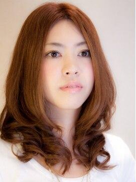 マウロア ヘアーサロン(Mauloa hair salon)柔らかリッジのセミロングスタイル