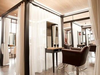 ヘアーデザイン プカナ(HAIR DESING PUKANA)の写真/≪リニューアルOPEN!≫半個室で自分だけの極上リラックスタイムを!