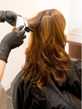 サロンドボーテ ウイ 八潮店(Salon de beaute Oui)の写真/頭皮&髪に優しい、ダメージレスなオーガニックカラーを使用♪ツヤ×理想のカラーを手に入れて◎