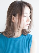 リビングユー(Livingu you)前髪長め前髪なしのセンターパートほつれ毛束感ふんわり外ハネ