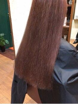 白髪染め専門店 ティールーム(T.ROOM)の写真/髪の芯から綺麗に―。髪質やくせ・うねりなどの気になる髪のお悩みを女性スタイリストが解決へと導きます。