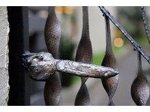 フクルル サロン ド コアフュール(FUKULULU salon de coiffure)の雰囲気(Gate Door)