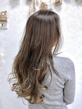 リングバイモアムー(Ring by Moremuu)の写真/<Cut+Color初回¥6480(税込)>透明感のある旬なカラーで大人気♪髪に優しいカラー材で色モチや潤いも抜群♪