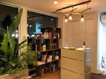 ハコヘアー(HACO HAIR)の写真/【個室あり】カウンセリングから仕上げまで一人のスタイリストが担当してくれるので、気軽に相談しやすい♪
