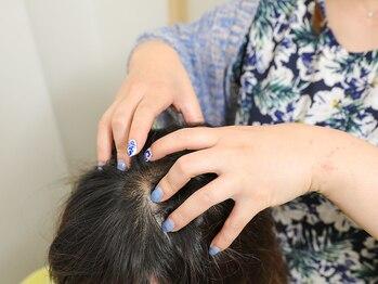 アミー ヘアーコミュニティー(ami hair community)の写真/【個室のヘッドスパスペース】ベテラン女性スタイリストが施術★気持ちよさに定評有◎極上の癒し体験♪