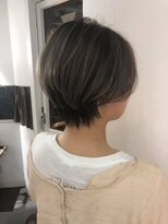 ヘアメイク シュシュ(Hair make chou chou)ハイライトハンサムショートことりベージュ毛先パーマ30代40代