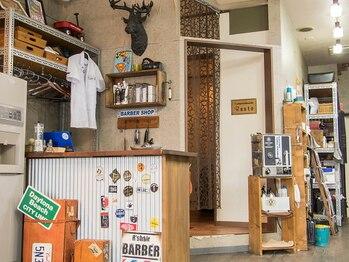 アールズ ヘア(R's hair)の写真/アメリカンスタイルのオシャレサロン★シックで落ち着いた雰囲気の店内であなただけの時間を…♪