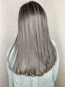 オーロ 緑地公園店(ORO)の写真/≪駐車場完備☆個室あり≫髪に優しい施術で理想の発色と艶のあるカラーに♪あなたにピッタリの色味をご提案