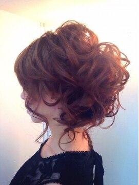 見た目に自信がない人におすすめの髪形8選・アレンジ方法