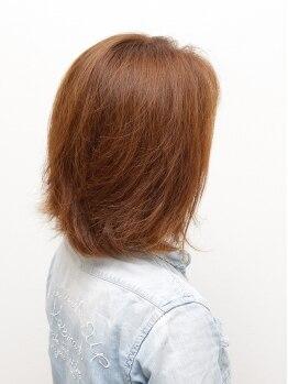 ビューティサロン フルール(beauty salon fleur)の写真/大人女性の髪のお悩み解決!諦めていたハイトーンの質感UPグレイカラーはお任せ◎!!