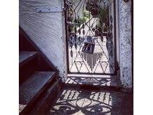 フクルル サロン ド コアフュール(FUKULULU salon de coiffure)の雰囲気(Gate)