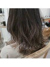 アリシア ヘアー(Alicia hair)ダークグレージュ