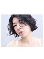 アンバースデー(UNBIRTHDAY)ショート/くせ毛風パーマ/ウェーブ【大成志織】