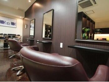 ヘアラウンジ スオーノ(hair lounge SUONO)の写真/『たった1人のための、精一杯のおもてなし』プライベート空間♪気取らない居心地の良さで寛ぎの時間を…。