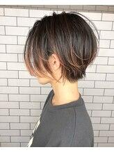 ルーナヘアー(LUNA hair)『京都 ルーナ』ハイライト ピンク ショートボブ【草木真一郎】