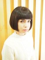 フラムリングス麻布(Framlings azabu)黒髪ぱっつんオンマユ前髪×モードボブ