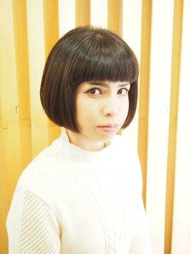 おかっぱショートボブ 黒髪ぱっつんオンマユ前髪×モードボブ