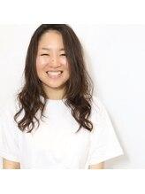 ヘアメイク バースデイ(Hair make Birth Day)ステップボーンカット(小顔補正立体カット)
