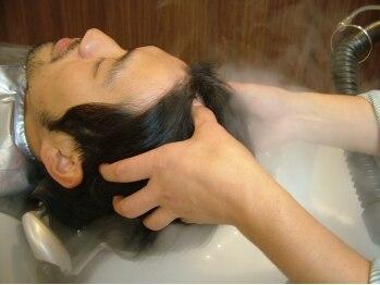 アルテサーノフォーバーバーズ(artesano for BARBER's)の写真/髪や頭皮のお悩みを改善♪プライベートサロンで行う癒し効果バツグンのメンズ専用頭皮エステ取扱い!