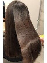 【選べるトリートメント】選び抜かれたTR剤で、あなたの髪のお悩みへ的確にアプローチ。最上級の仕上がりへ
