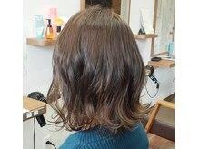 ラフィール(roughire)の雰囲気(話題のカラー『HUE〈ヒュウ〉』 キレイな発色で理想の髪色へ)