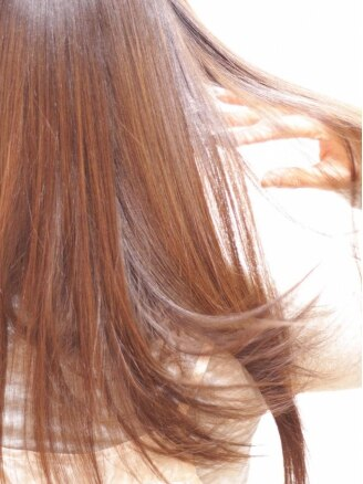 モイヘアーデザイン(moi hair design)の写真/【リピーター多数】8種類の栄養分を1回1回入れ込むスペシャルトリートメント!サラサラ&柔らかな仕上りに!