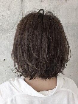ヘアーアート リオン バイニューヨークニューヨーク(hair art Le Riow byNYNY)の写真/【伏見駅徒歩1分】イルミナカラー+ハイライトで透明感を演出。オシャレな髪色が長く続く☆