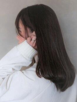 コウ(KOu)の写真/トリートメントやヘッドスパなど髪や頭皮ケアもしっかりこだわっている【KOu】芯から補修し輝く美髪を実現