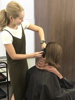 ラッキーヘアー箕面店(Lucky Hair)の写真/《カットもカラーもお任せ!ベテランスタイリスト在籍》技術力に自信アリ!じっくり丁寧に仕上げます。