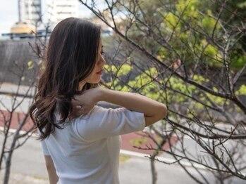 カットスペースウィッチ(Cut Space WITCH)の写真/嬉しい!全メニューにエイジングケアトリートメント付♪憧れの艶めく指通り滑らかな髪に♪