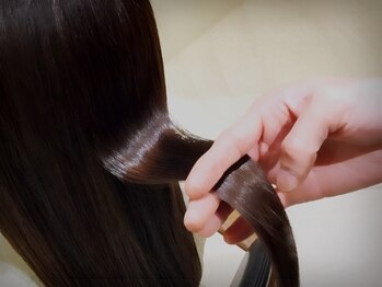 ロビンソン(HAIR ROBINSON)の写真/【月曜営業】≪髪質改善の専門家!≫特許取得のオリジナルトリートメントで栄養補給!憧れの艶めく美髪へ☆