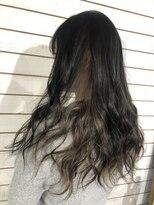 ビーヘアサロン(Beee hair salon)【渋谷エクステ・カラーBeee/安部 郁美】インナーカラーグレー