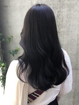 アルム オモテサンドウ(ALLM omotesando)の写真/【カット+TOKIOトリ-トメント】こだわりの高品質薬剤で健康的なサラツヤ美髪に導きます★[原宿]