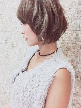 ヘアーデザインムーヴ(Hair design MOVE)レイヤーボブでブレンドカラー♪